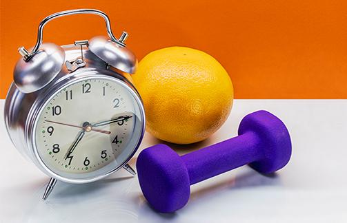 O horário do treinamento de força influencia os efeitos dessa modalidade de exercício sobre a glicemia?